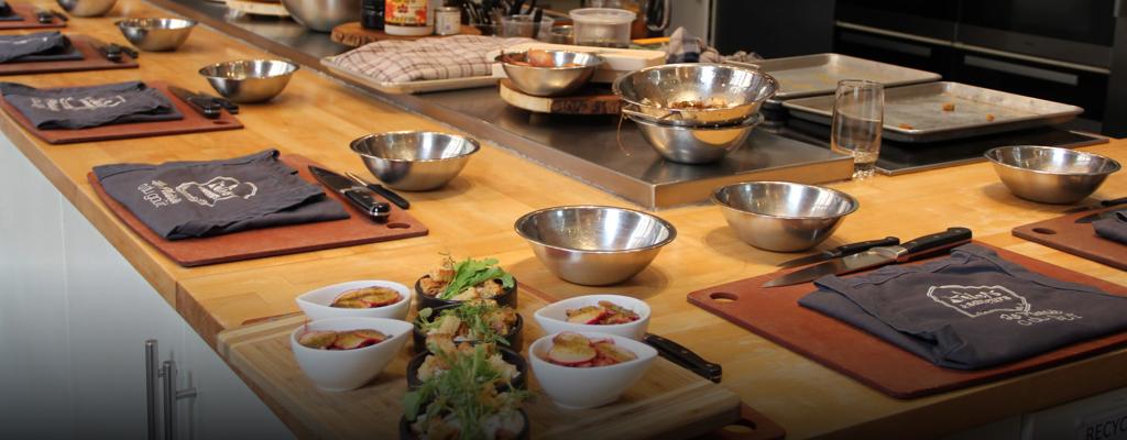 Cours De Cuisine Cocktails Degustation De Vins Ateliers Saveurs