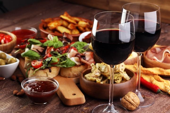 Cours de cocktail et Tapas + 1 verre de vin inclus